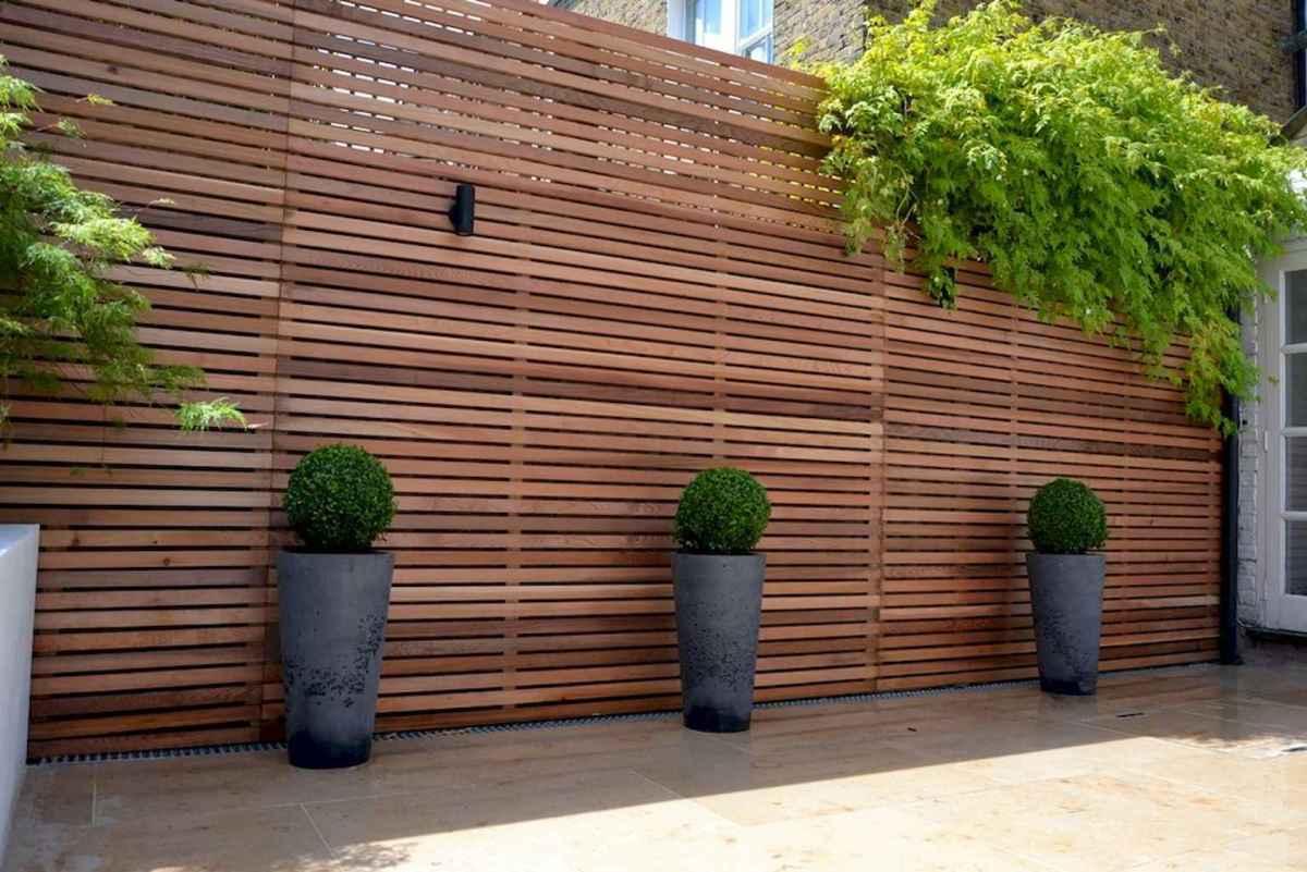 70 Gorgeous Backyard Privacy Fence Decor Ideas on A Budget (18)
