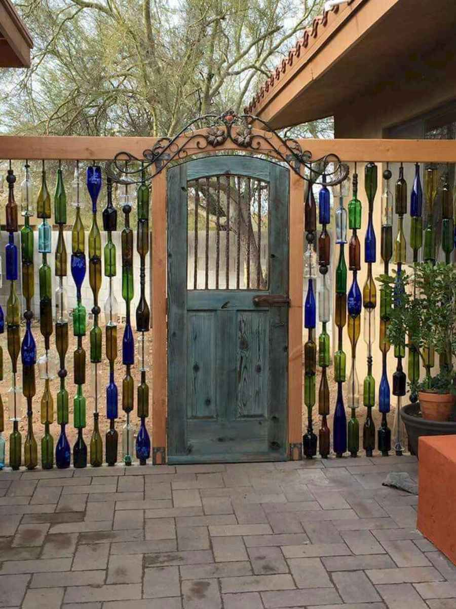70 Gorgeous Backyard Privacy Fence Decor Ideas on A Budget (22)