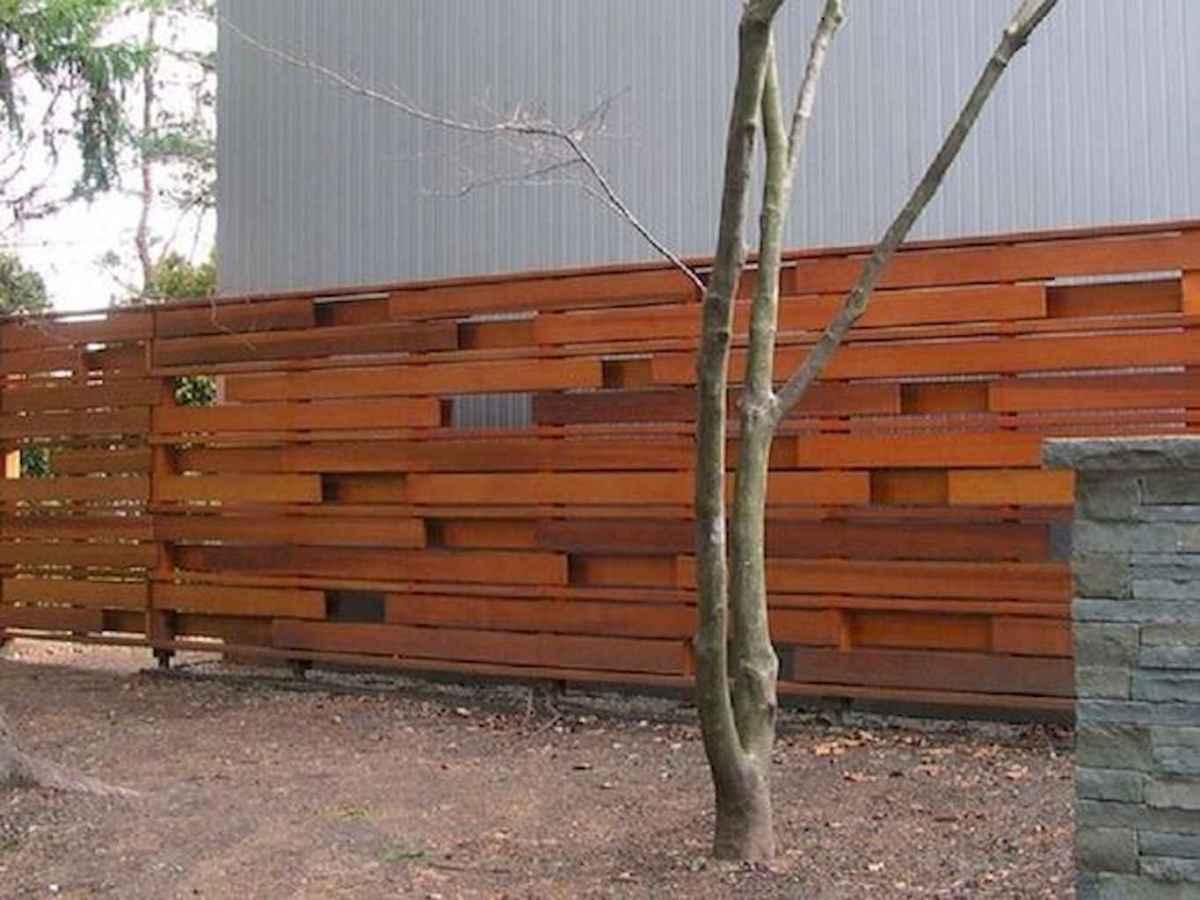 70 Gorgeous Backyard Privacy Fence Decor Ideas on A Budget (31)