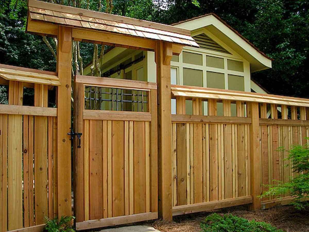 70 Gorgeous Backyard Privacy Fence Decor Ideas on A Budget (33)