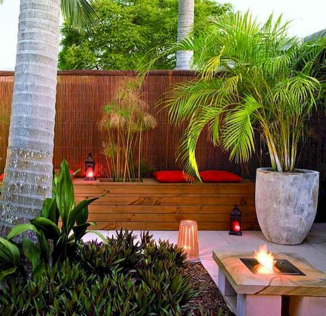 70 Gorgeous Backyard Privacy Fence Decor Ideas on A Budget (49)
