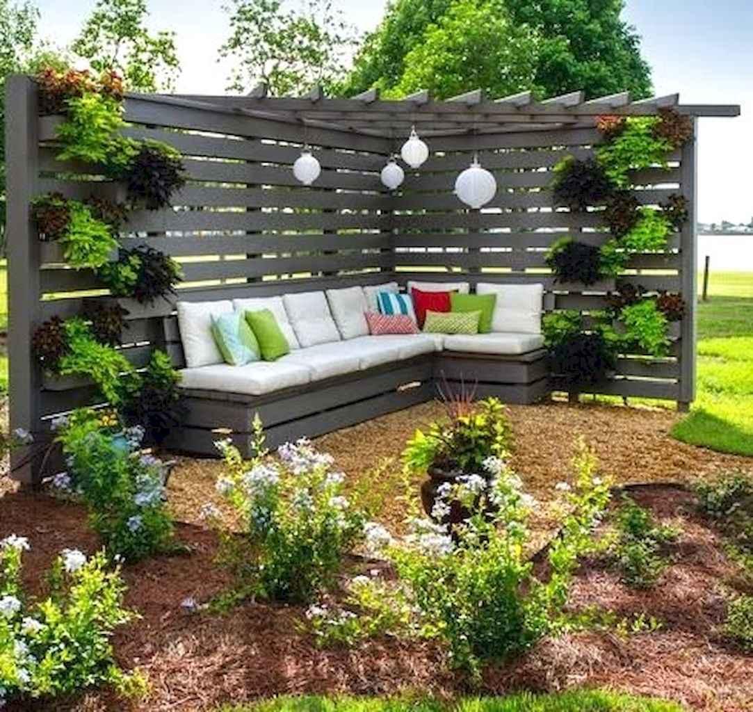 70 Gorgeous Backyard Privacy Fence Decor Ideas on A Budget (68)