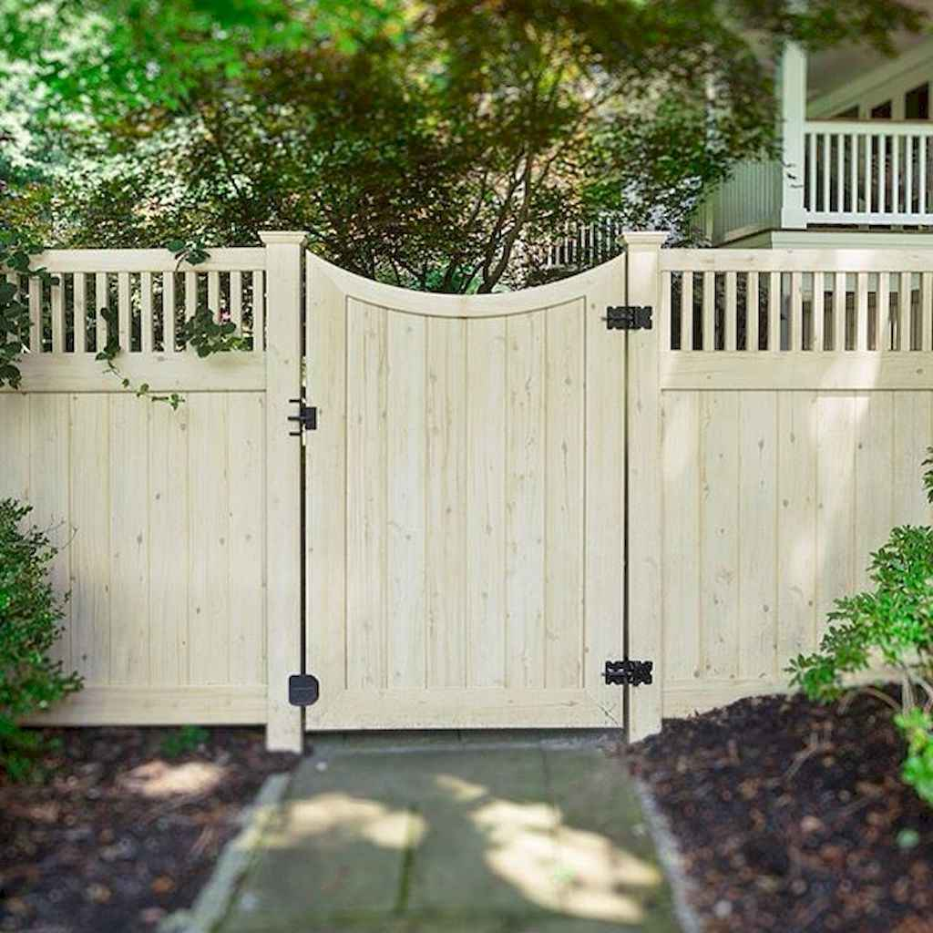 70 Gorgeous Backyard Privacy Fence Decor Ideas on A Budget (73)