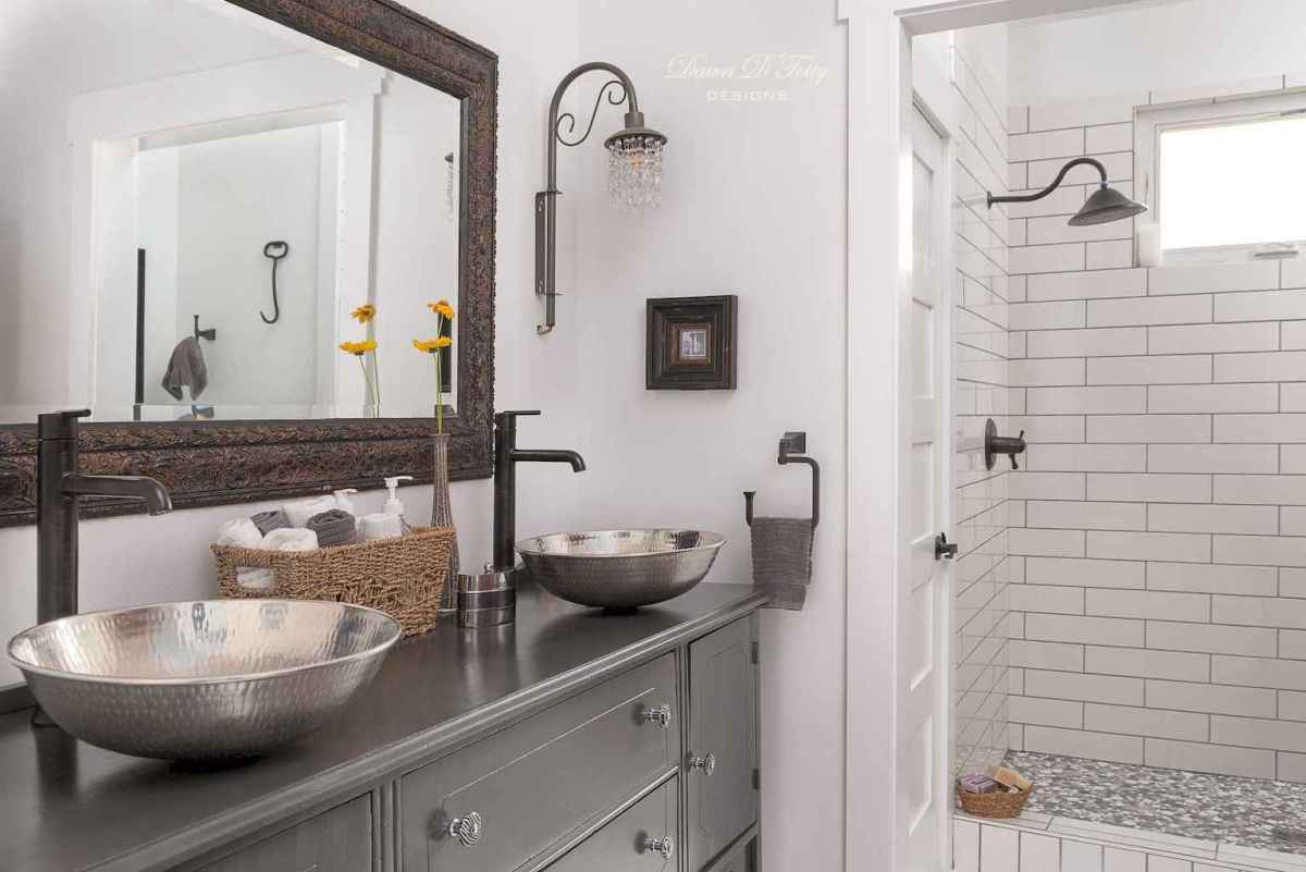 100 Farmhouse Bathroom Tile Shower Decor Ideas And Remodel To Inspiring Your Bathroom (55)