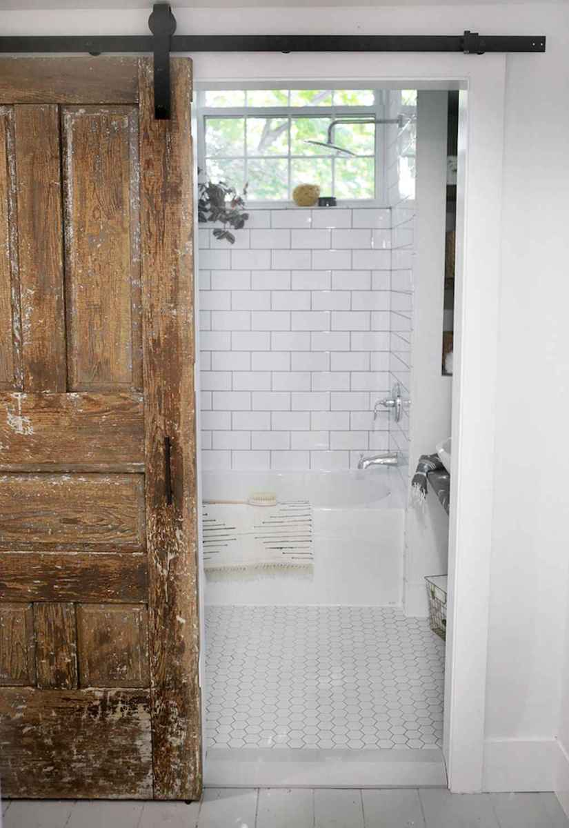 100 Farmhouse Bathroom Tile Shower Decor Ideas And Remodel To Inspiring Your Bathroom (97)