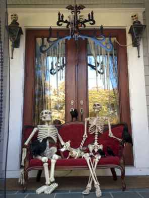 60 DIY Outdoor Halloween Decorations Ideas And Makeover (35)