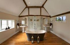 70 Inspiring Farmhouse Bathroom Shower Decor Ideas And Remodel (1)