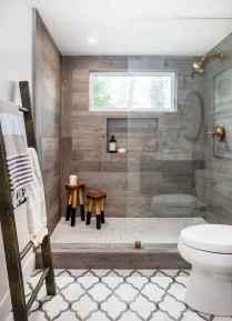 70 Inspiring Farmhouse Bathroom Shower Decor Ideas And Remodel (13)