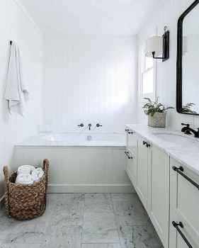 70 Inspiring Farmhouse Bathroom Shower Decor Ideas And Remodel (9)