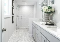 80 Awesome Farmhouse Master Bathroom Decor Ideas And Remodel (5)