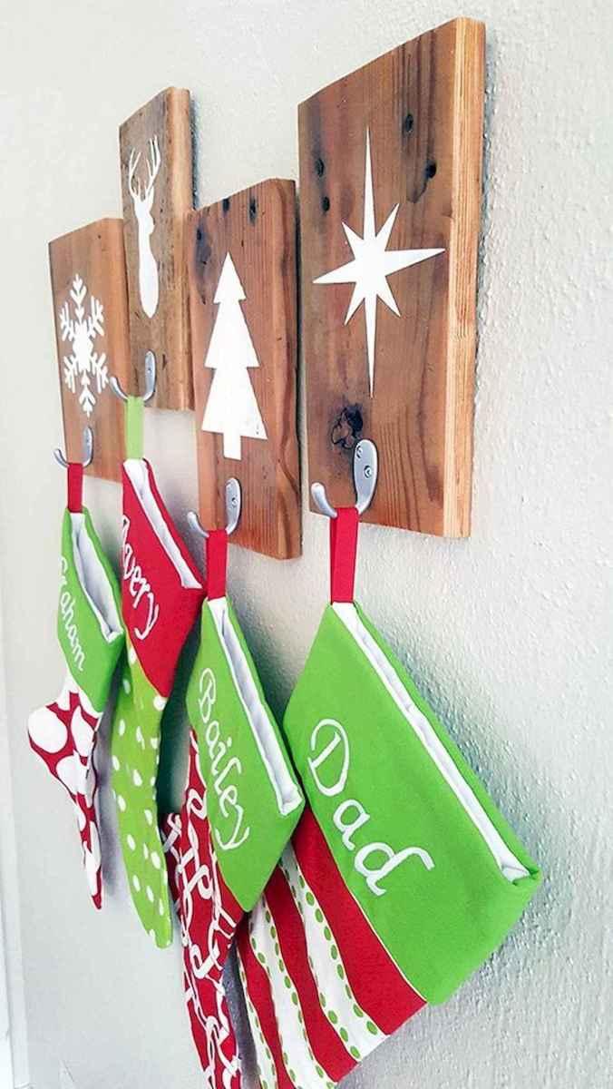 35 Awesome Apartment Christmas Decor Ideas (12)