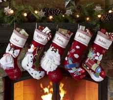 35 Awesome Apartment Christmas Decor Ideas (29)