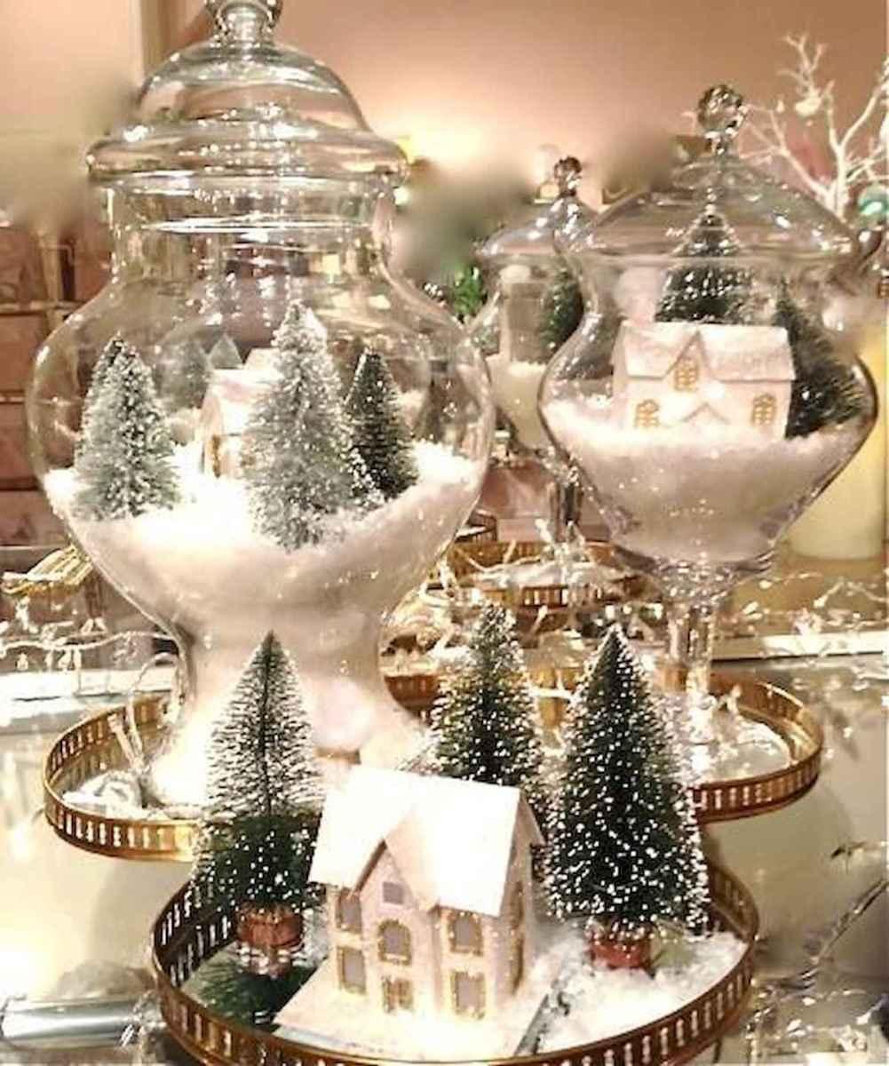 35 Beautiful Christmas Decor Ideas Table Centerpiece (5)