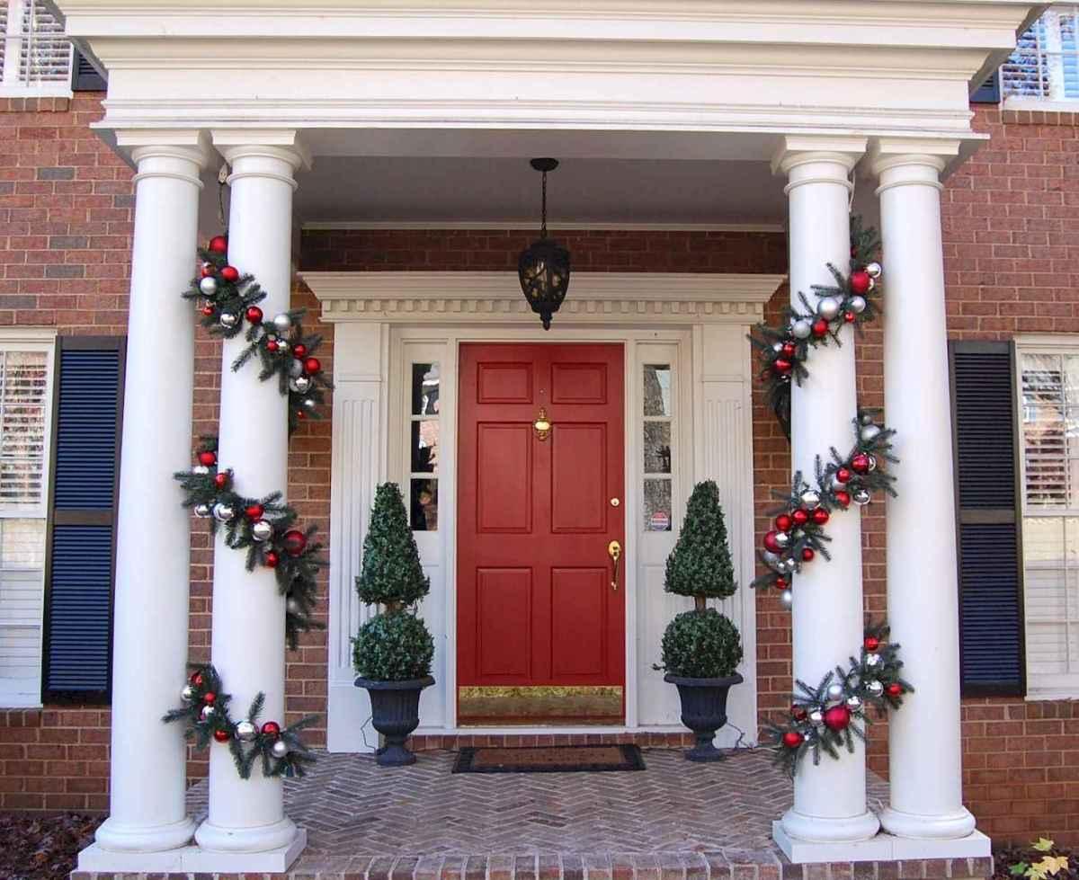 40 Amazing Outdoor Christmas Decor Ideas (4)