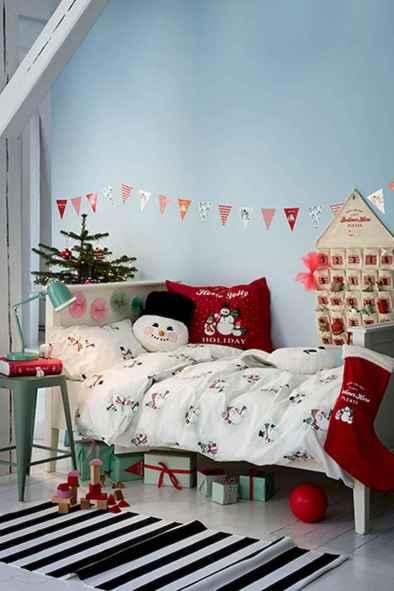 40 Awesome Bedroom Christmas Decor Ideas (12)