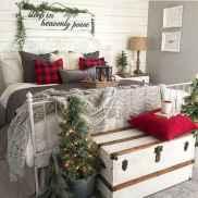 40 Awesome Bedroom Christmas Decor Ideas (30)