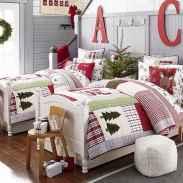 40 Awesome Bedroom Christmas Decor Ideas (31)