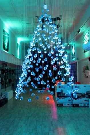 40 Unique Christmas Tree Decor Ideas (25)