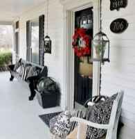 50 Front Porches Farmhouse Christmas Decor Ideas (25)