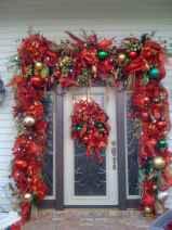 50 Front Porches Farmhouse Christmas Decor Ideas (39)