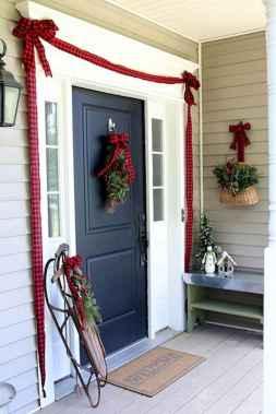 50 Front Porches Farmhouse Christmas Decor Ideas (42)