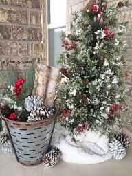 50 Front Porches Farmhouse Christmas Decor Ideas (45)