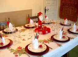50 Stunning Christmas Table Dining Rooms Decor Ideas (11)