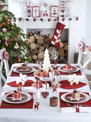 50 Stunning Christmas Table Dining Rooms Decor Ideas (22)