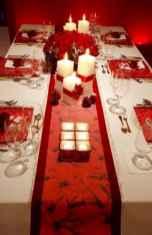50 Stunning Christmas Table Dining Rooms Decor Ideas (40)