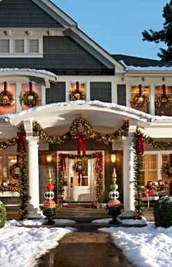 50 Stunning Front Porch Christmas Lights Decor Ideas (26)