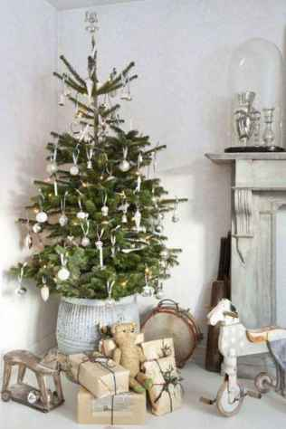 60 Awesome Christmas Tree Decor Ideas (12)