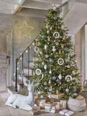 60 Awesome Christmas Tree Decor Ideas (15)