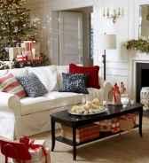60 Simple Living Room Christmas Decor Ideas (40)