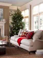 60 Simple Living Room Christmas Decor Ideas (49)