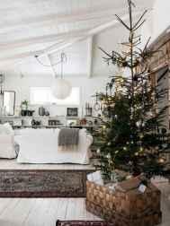 60 Simple Living Room Christmas Decor Ideas (6)