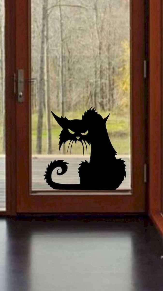 15 Creative Halloween Window Decoration Ideas (8)