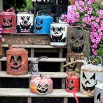 20 Creative Halloween Decorations to Get Your Home Ready for the Holiday (7)