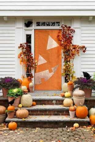 25 Creative Halloween Door Decorations for 2018 (20)