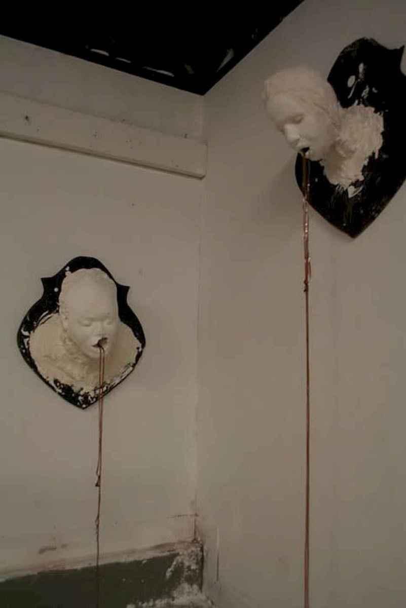 25 Creative Indoor Halloween Decorations Ideas (7)