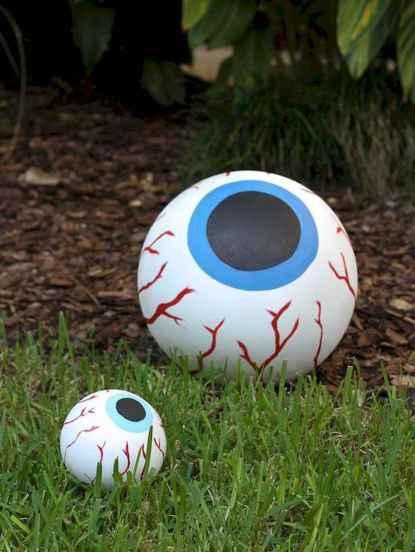 35 Best Creative DIY Halloween Outdoor Decorations for 2018 (30)
