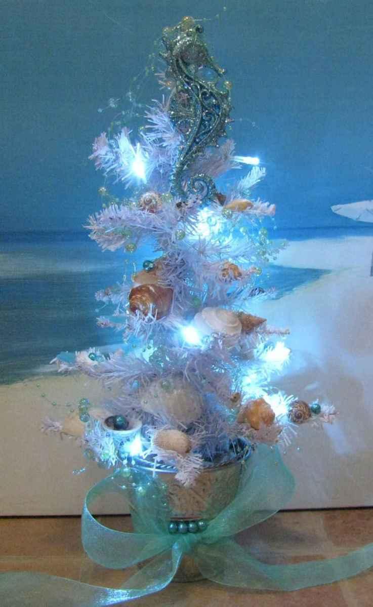 40 Coastal Christmas Decor Ideas And Makeover (17)