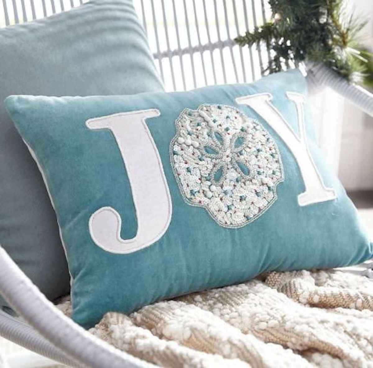40 Coastal Christmas Decor Ideas And Makeover (26)
