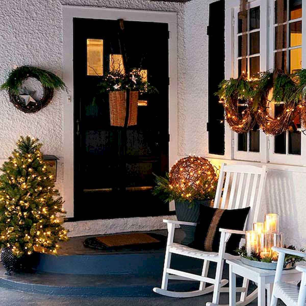 50 Awesome Christmas Front Porch Decor Ideas And Design (30)