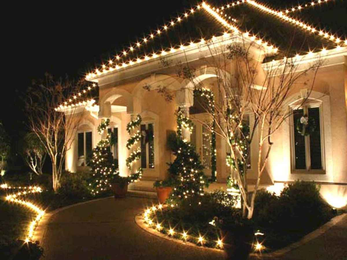 50 Awesome Outdoor Christmas Decor Ideas And Makeover (12)