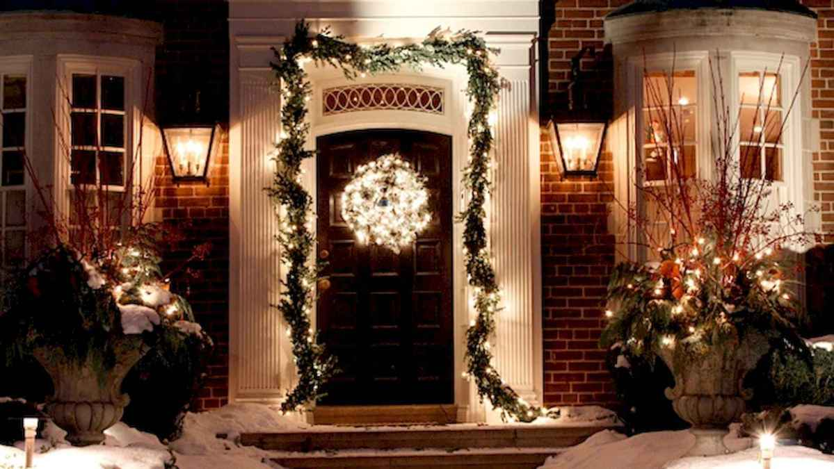 50 Awesome Outdoor Christmas Decor Ideas And Makeover (24)