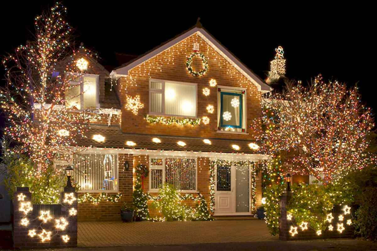 50 Awesome Outdoor Christmas Decor Ideas And Makeover (32)