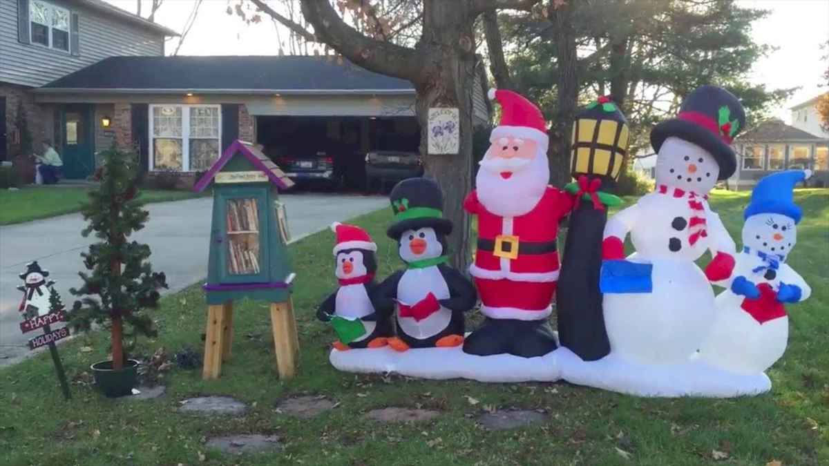 50 Awesome Outdoor Christmas Decor Ideas And Makeover (33)
