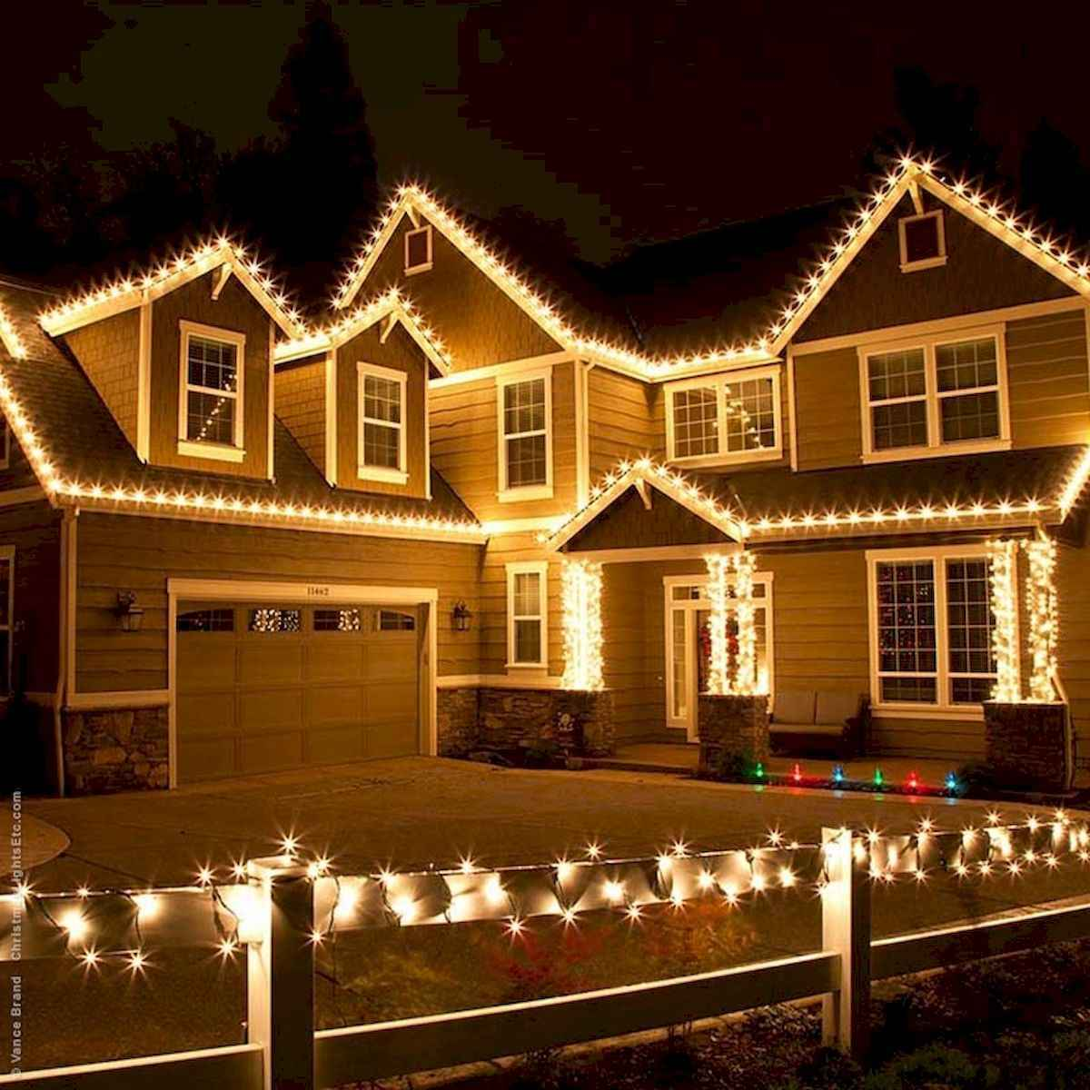 50 Awesome Outdoor Christmas Decor Ideas And Makeover (38)