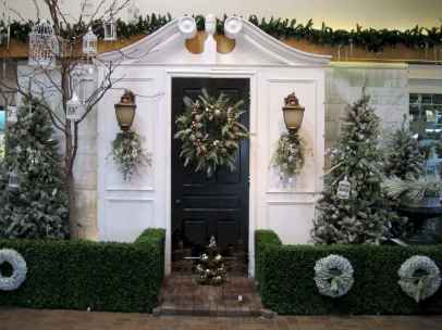 50 Awesome Outdoor Christmas Decor Ideas And Makeover (45)
