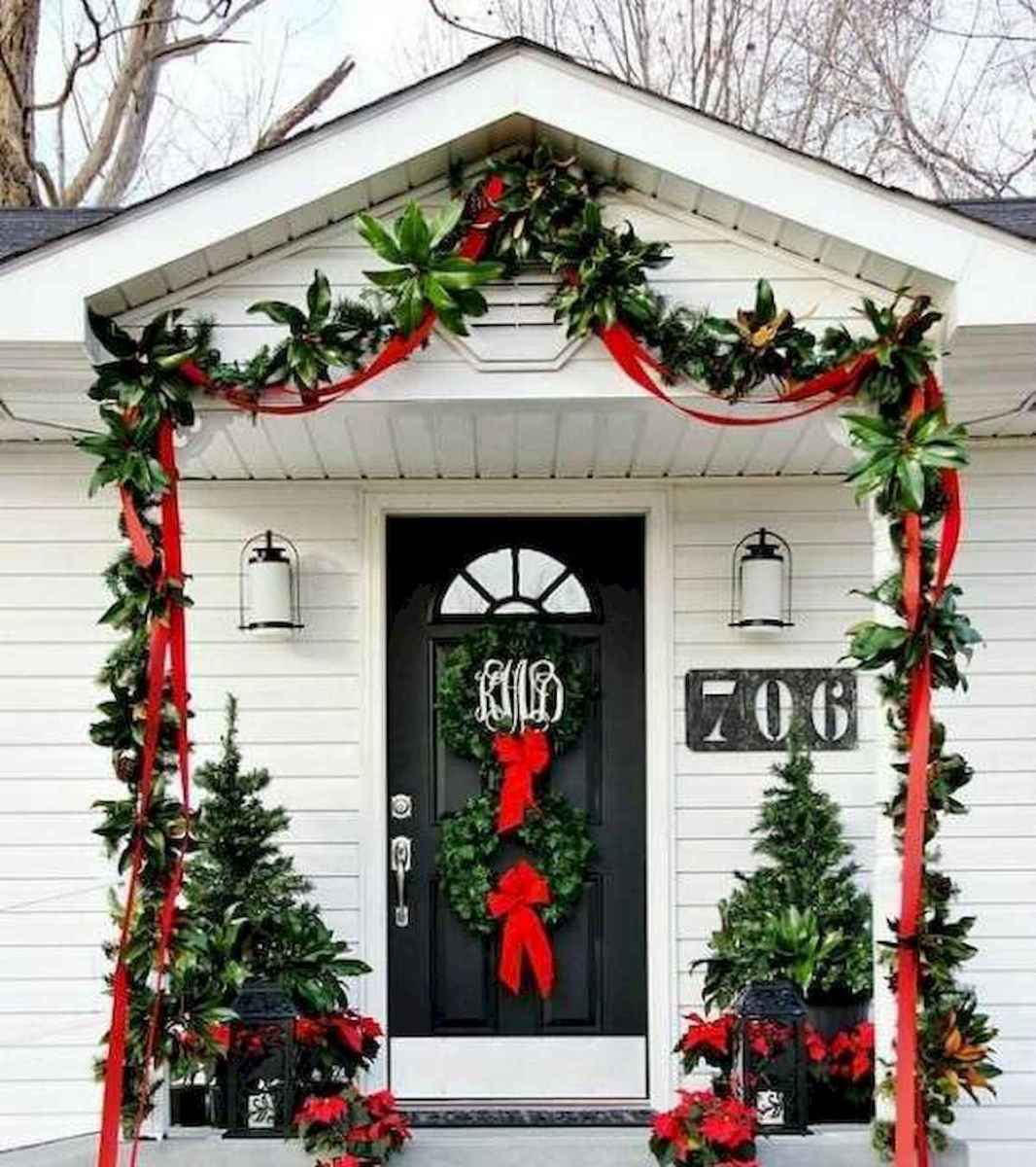 50 Christmas Front Porch Decor Ideas And Makeover (34)